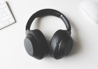 Waarom een goeie ruisonderdrukkende hoofdtelefoon de beste investering is voor muziekliefhebbers